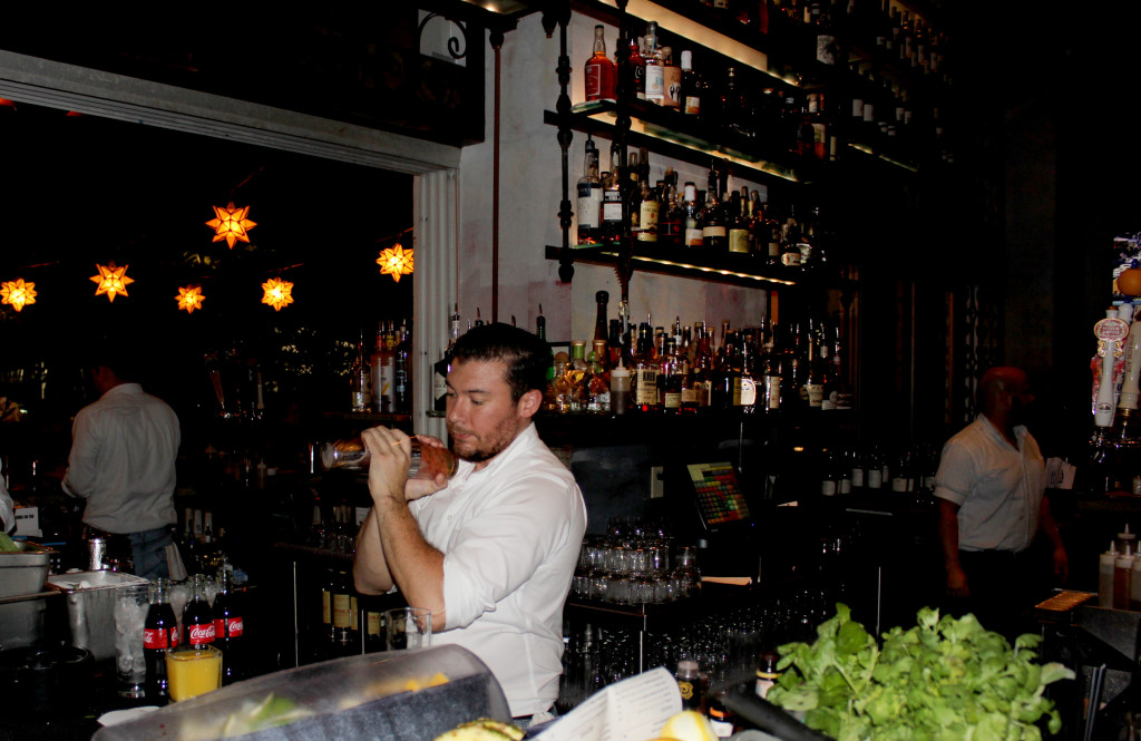 Bartender Miami Sugarcane Raw Bar Grill