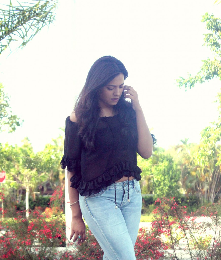 Miami Fashion Blogger Afroza Khan Chic Stylista Jeans