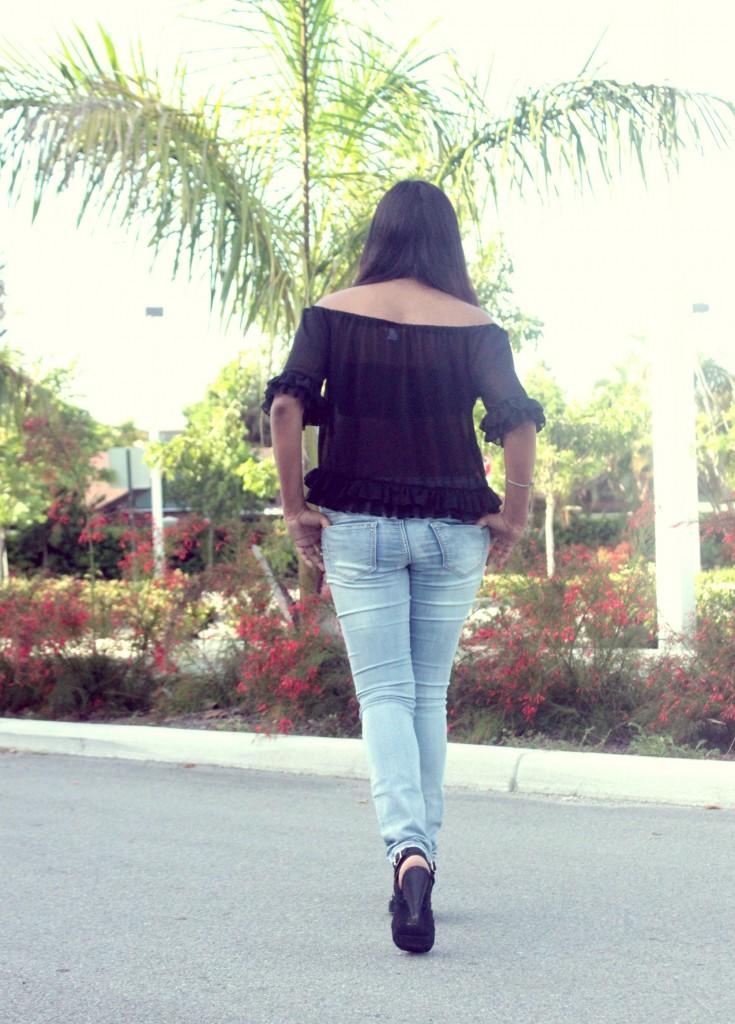 Miami Fashion Blogger Afroza Chic Stylista Black and Blue