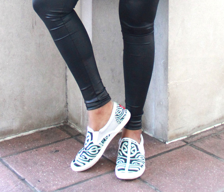 Miami Fashion Blogger Chic Stylista BucketFeet Slip-on