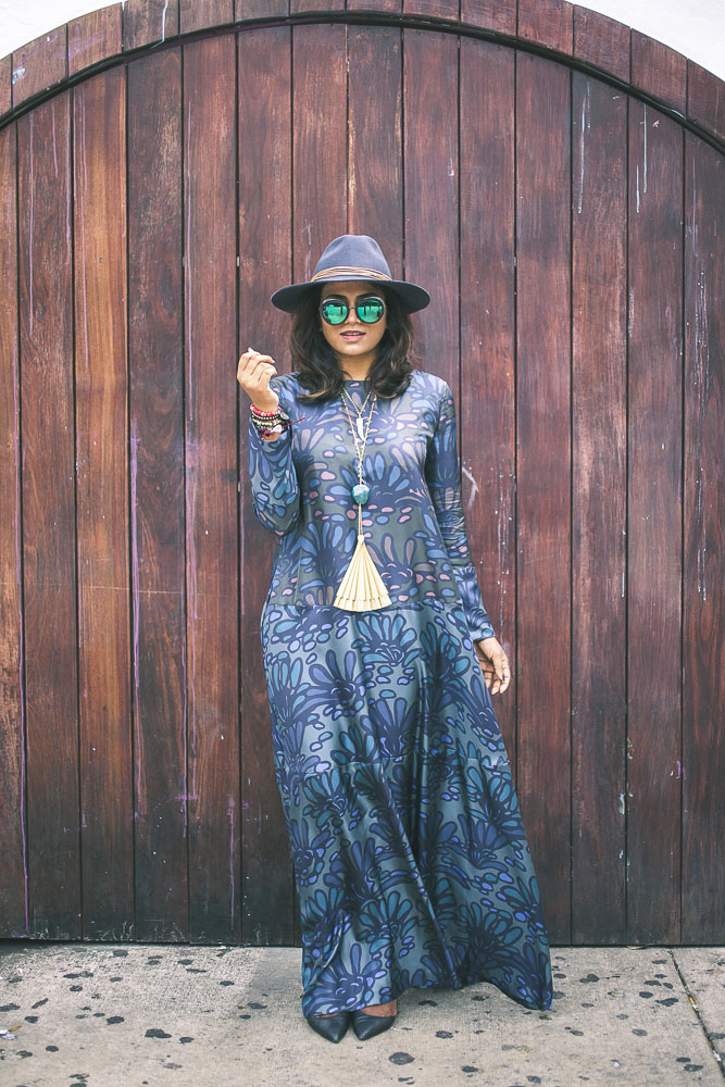 Gorgeous 70's dress Fashion Blogger Chic Stylista