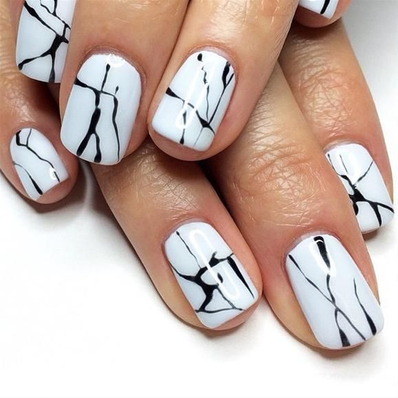 Chic Marbled Nail Design