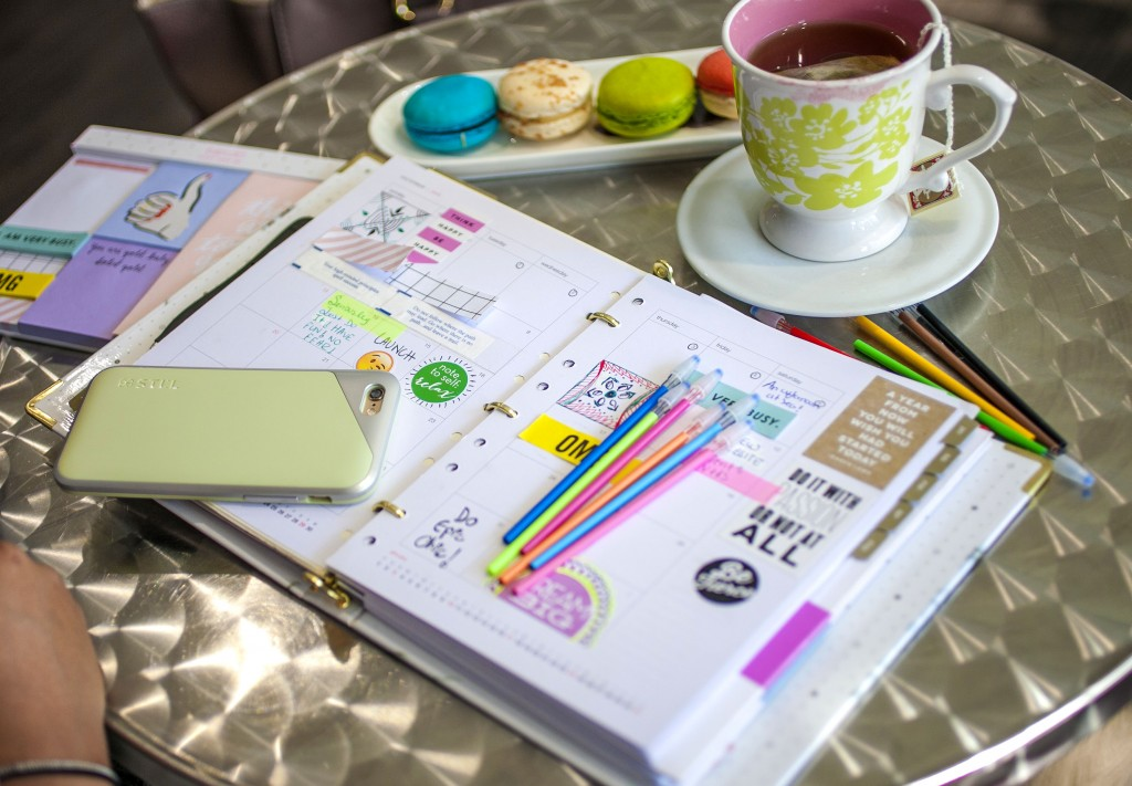 Colorful Organized Planner 2016 Binder