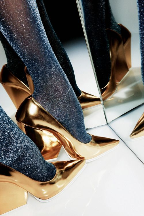 Gold Pointed Toe Designer Shoes