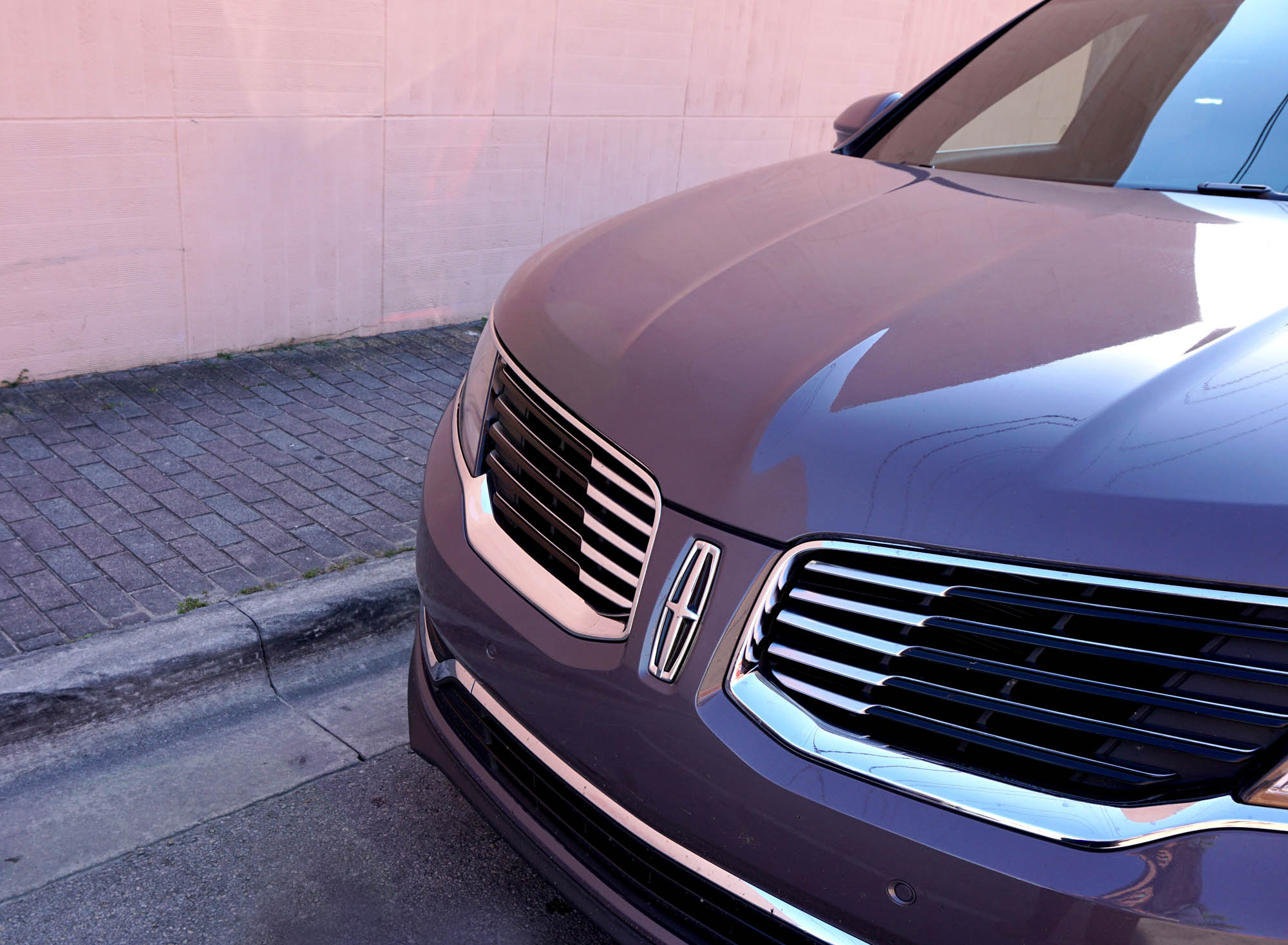 Lincoln MKX Front Detail
