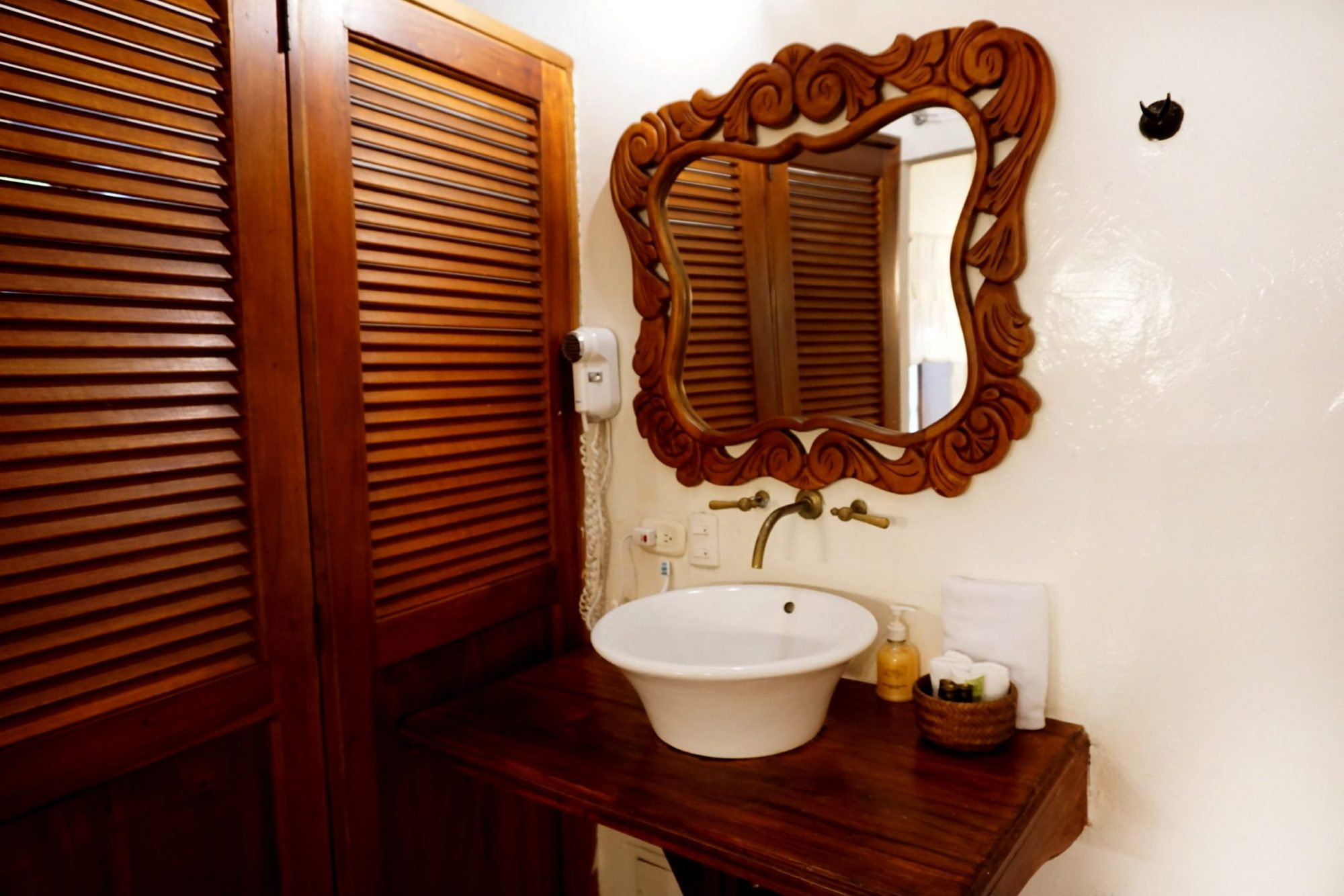 Cartagena Hotels Bathroom Details