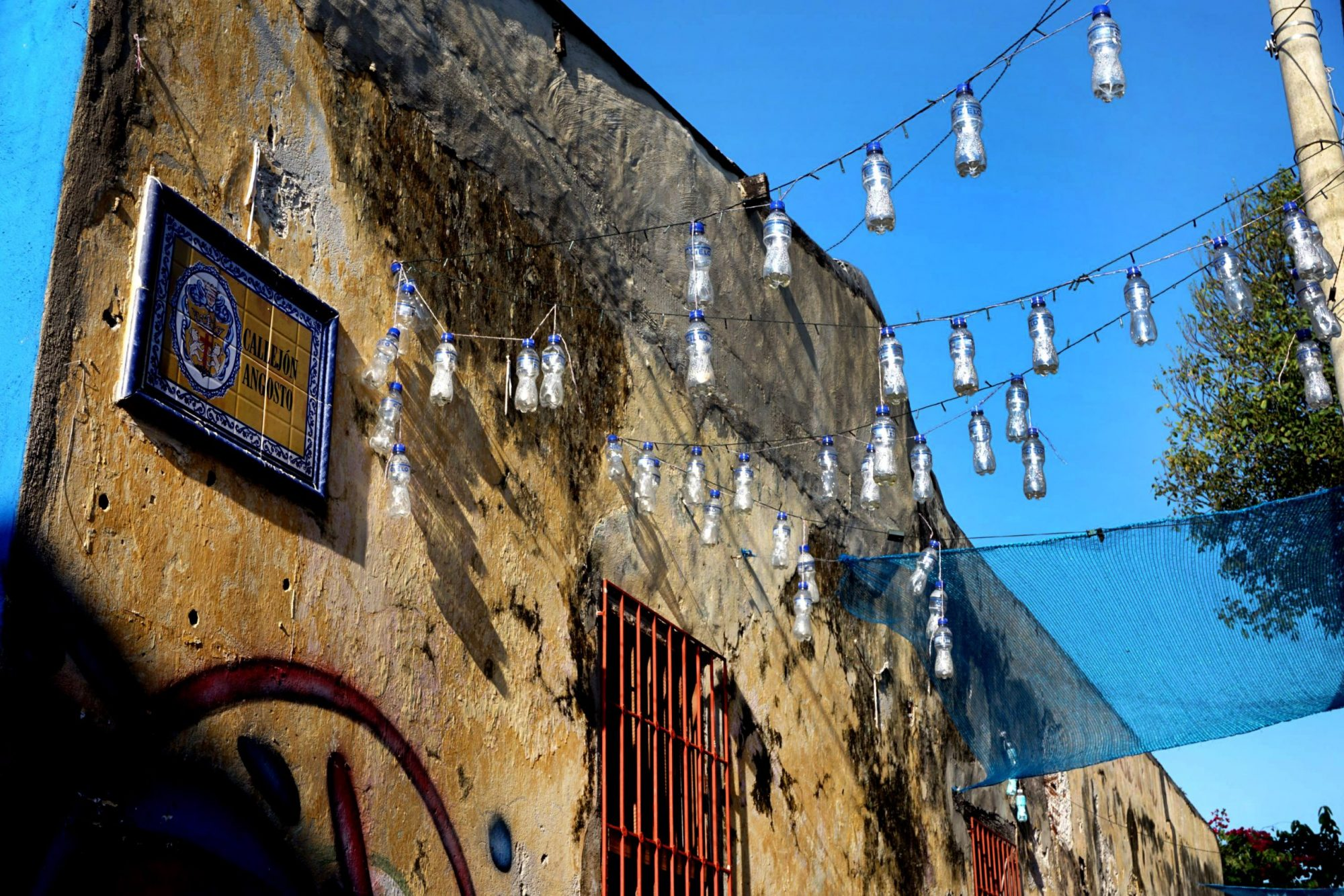 Getsemaní Cartagena Plastic Bottle Art