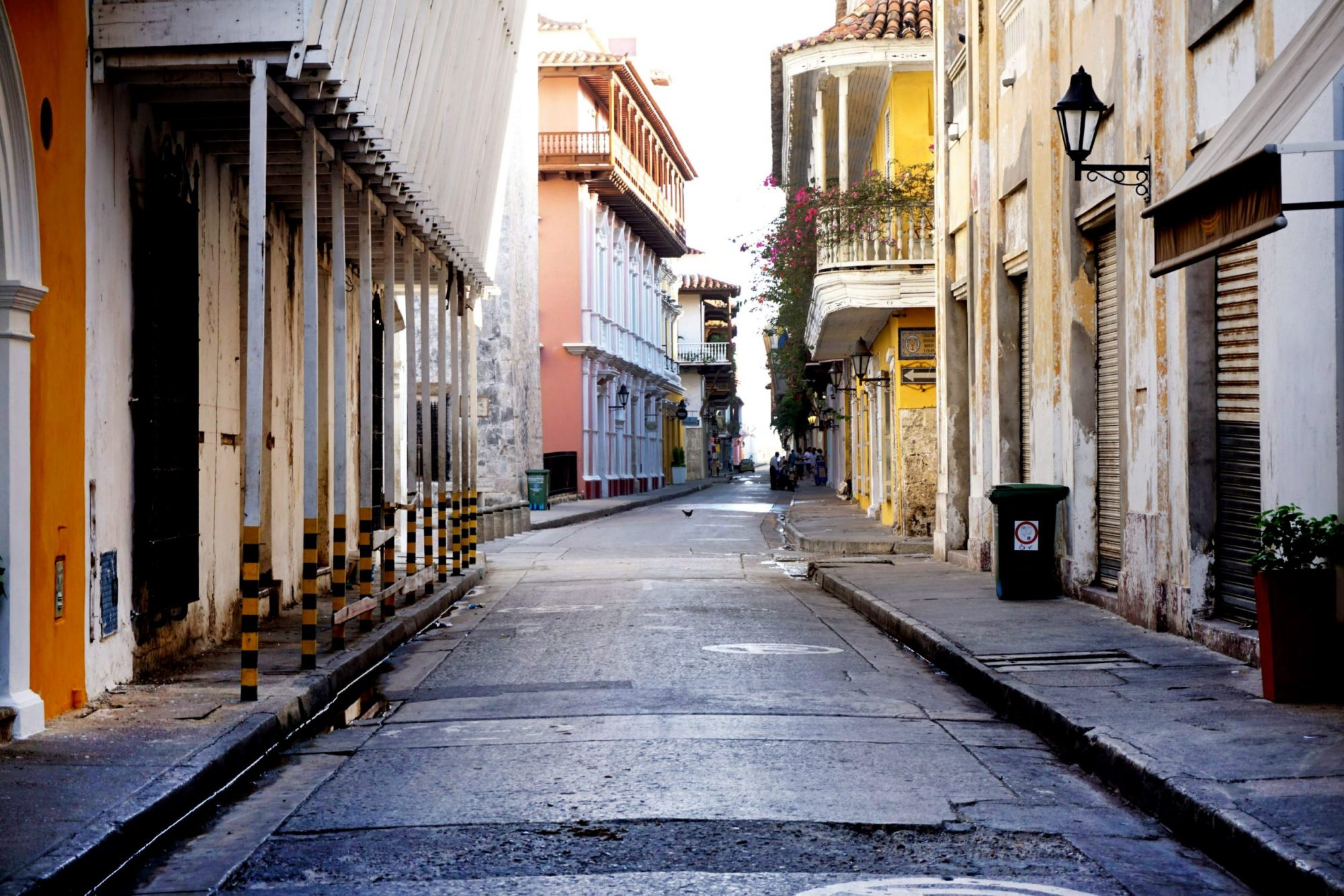 Cartagena Alleyway Near Alfiz Hotel
