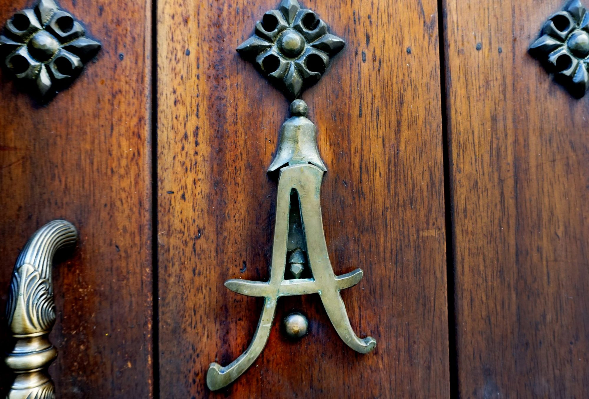 Alfiz Hotel Door