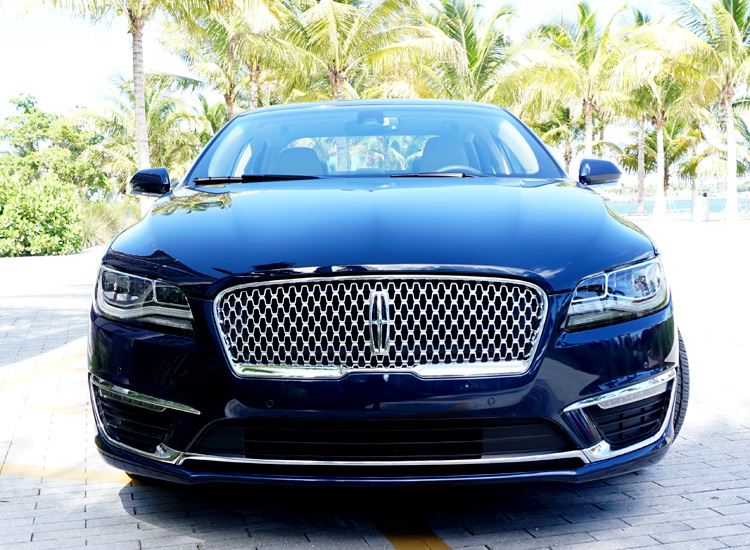 Lincoln MKZ 2017 Grill