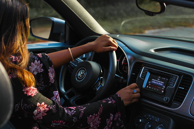 lifestyle-travel-blogger-car-drive-volkswagen