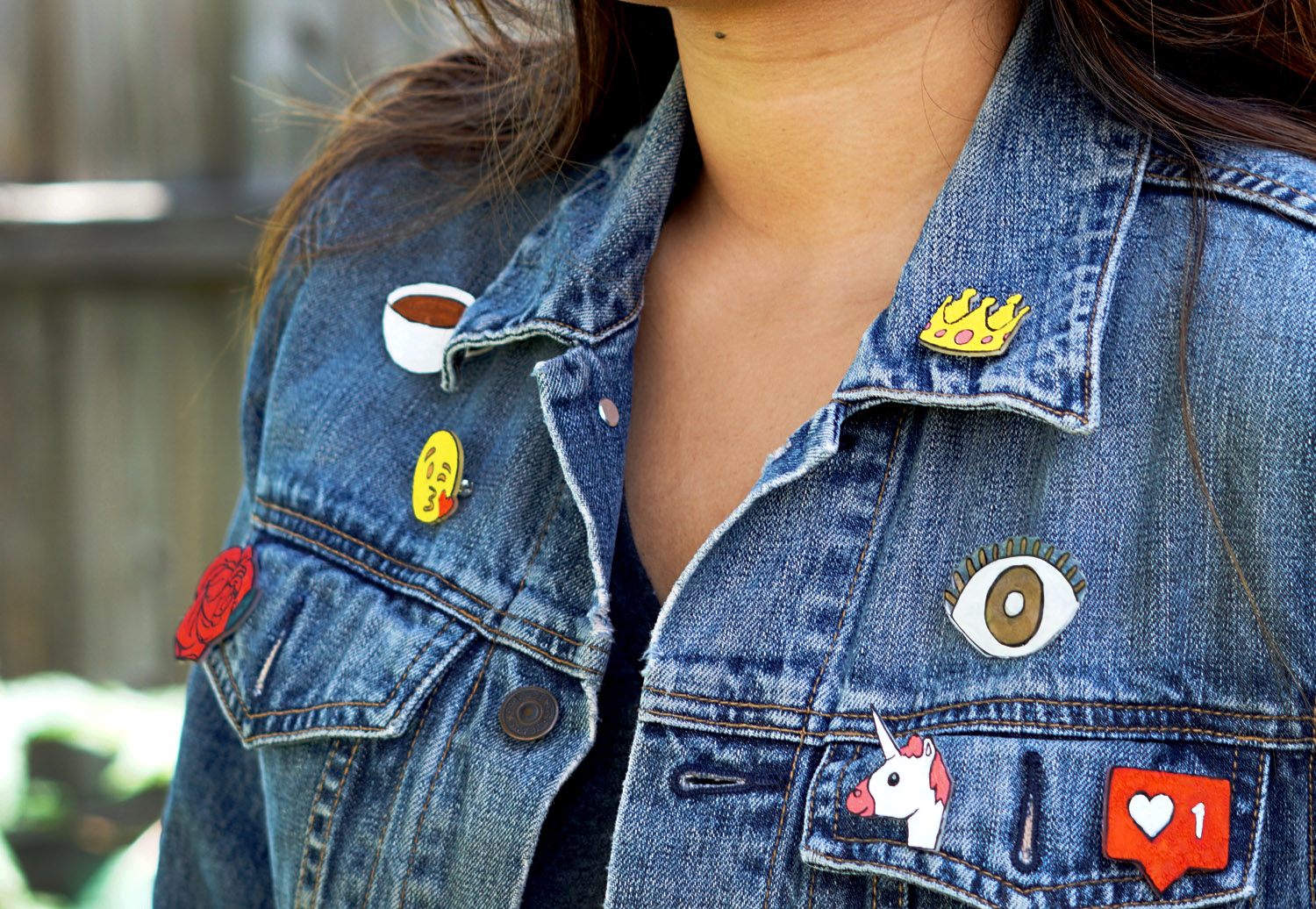 fashion-blogger-diy-jacket-pins