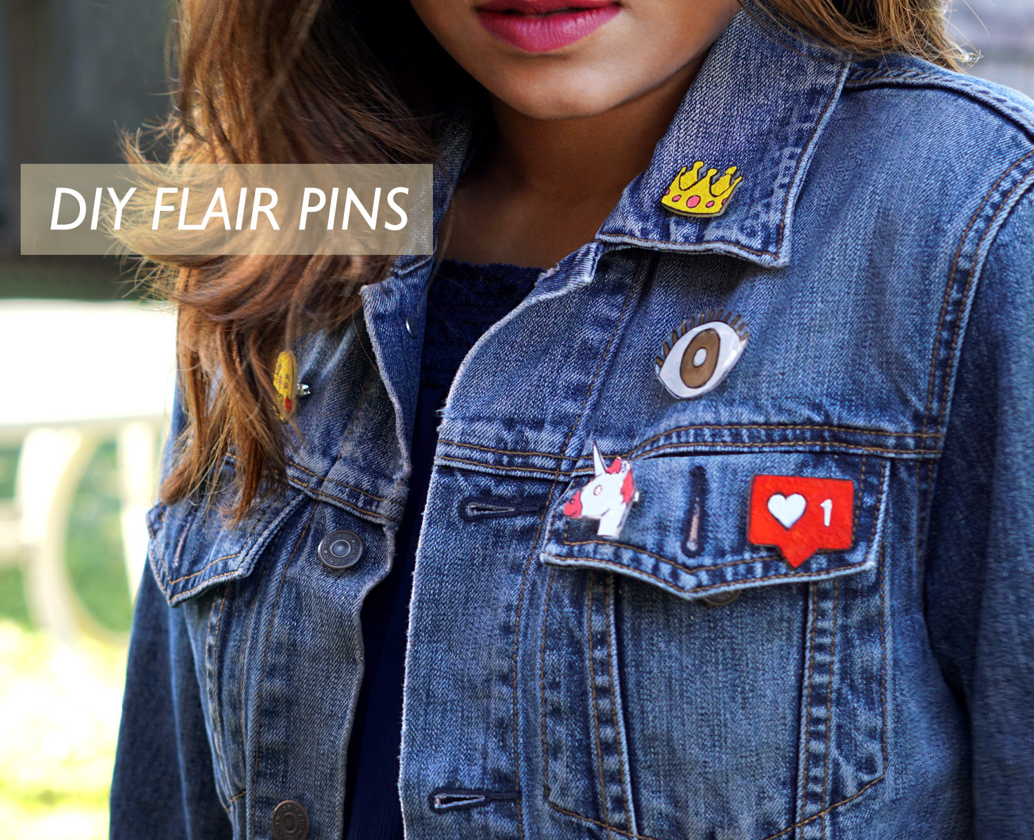 fashion-blogger-diy-jean-jacket-emoji-pin