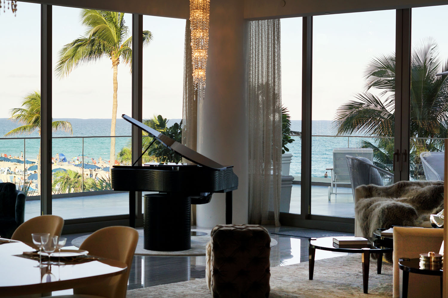 acqualina-resort-spa-towers-apartment-tours