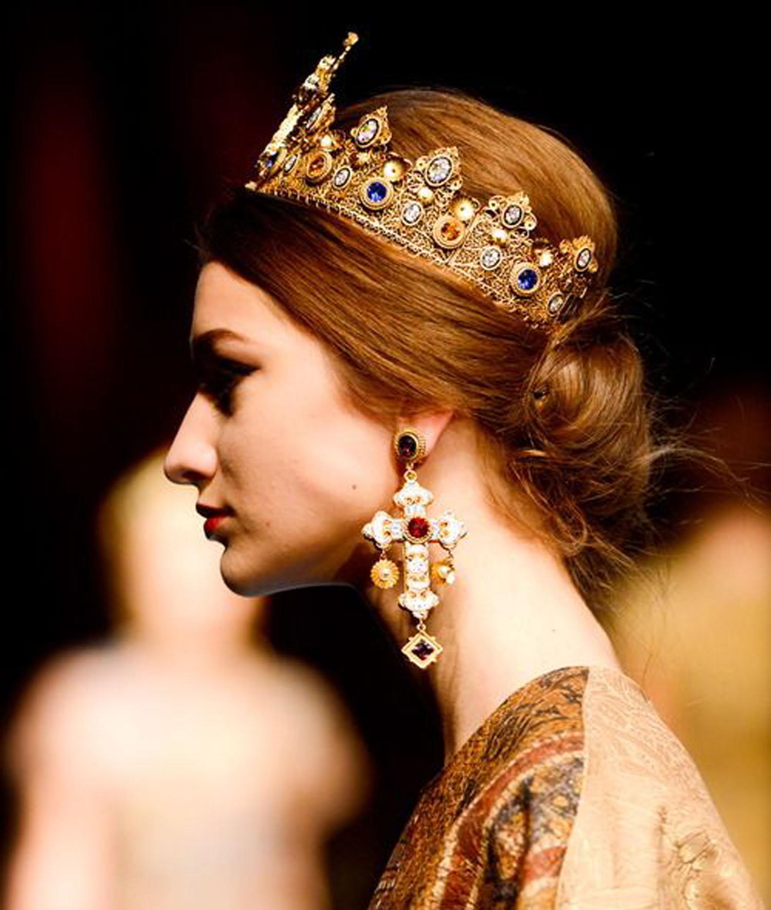 crown-regal-tiara-queen-princess-trends-copy1