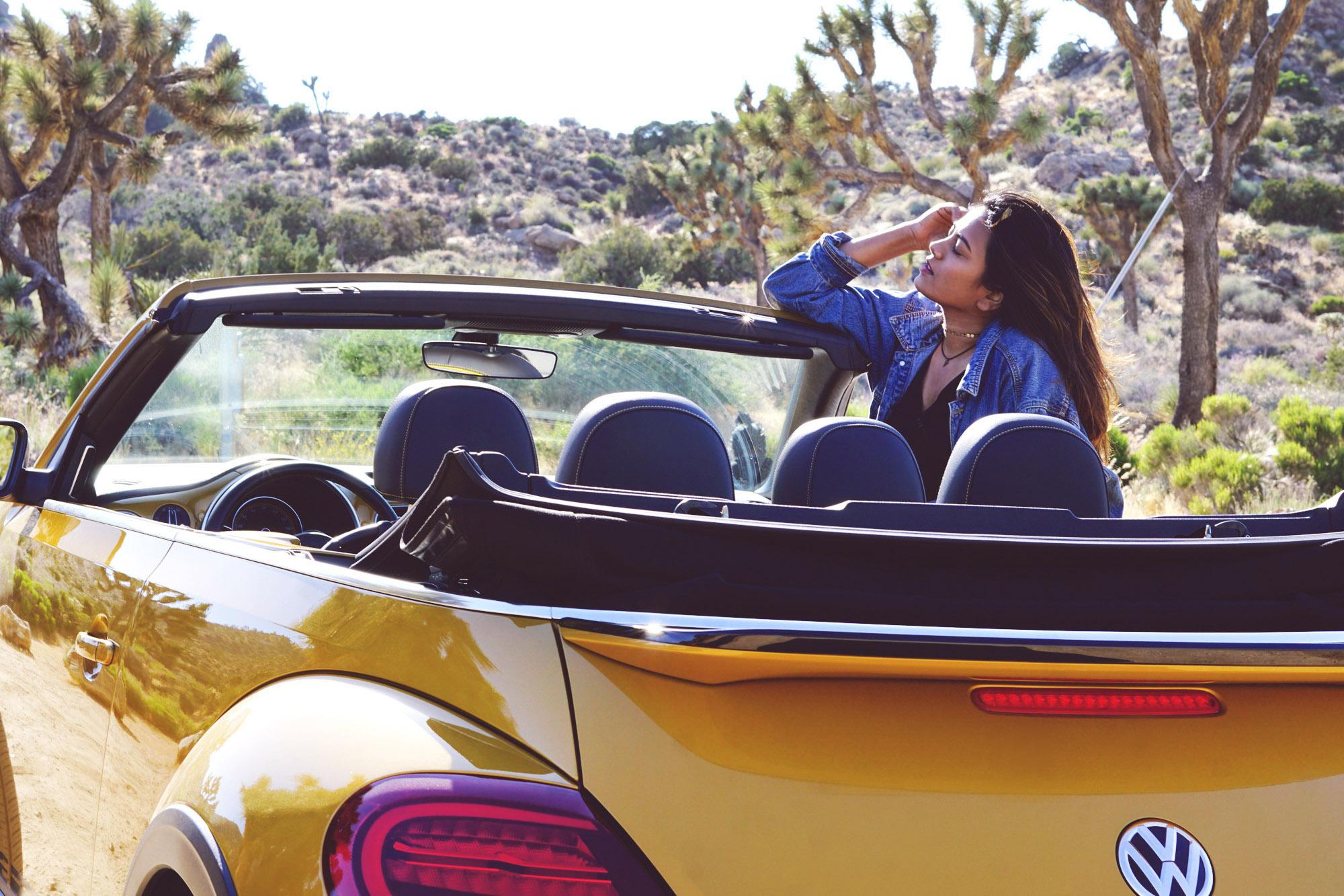 Travel Fashion Lifestyle Blogger Afroza Khan