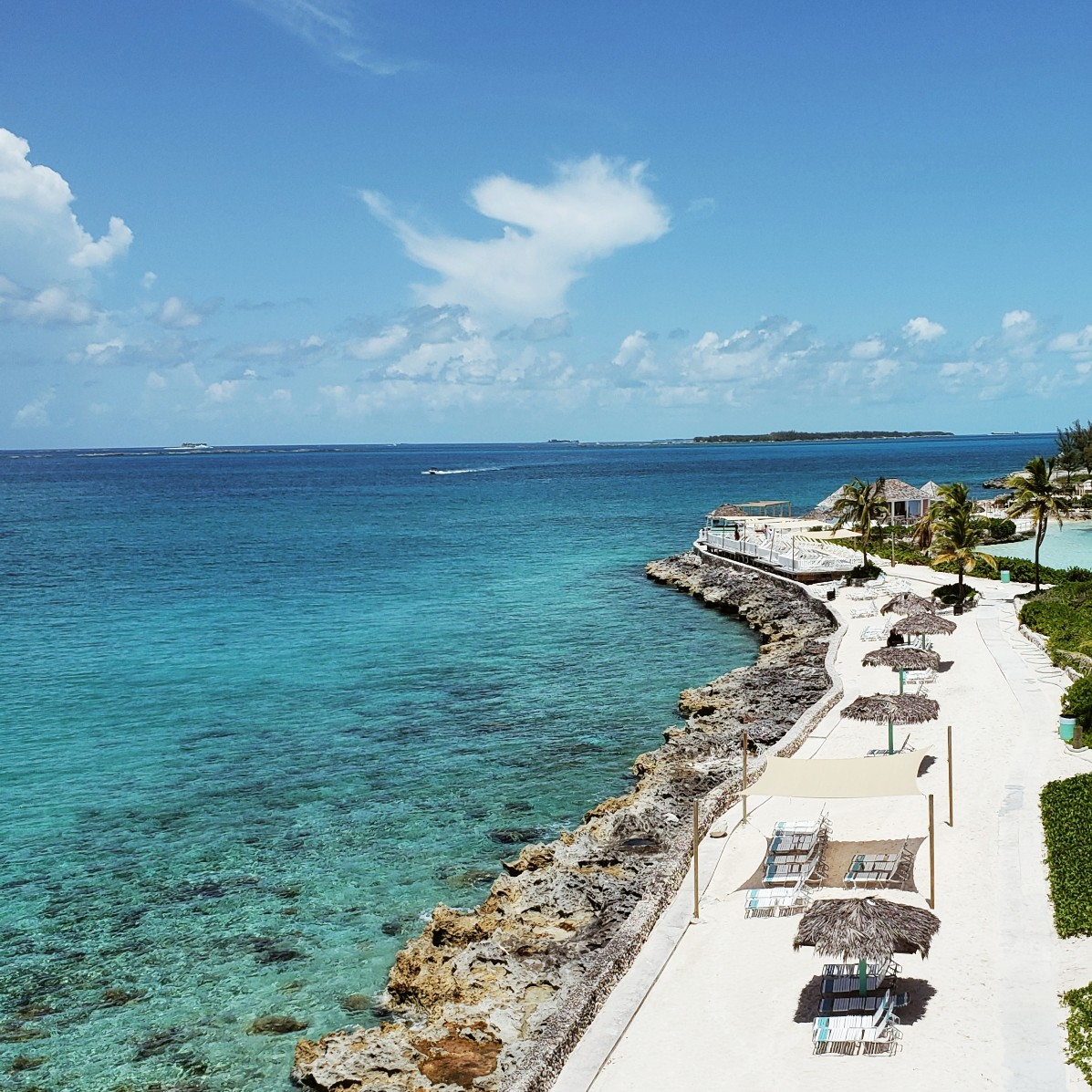 Teal Blue Water Pearl Island Bahamas