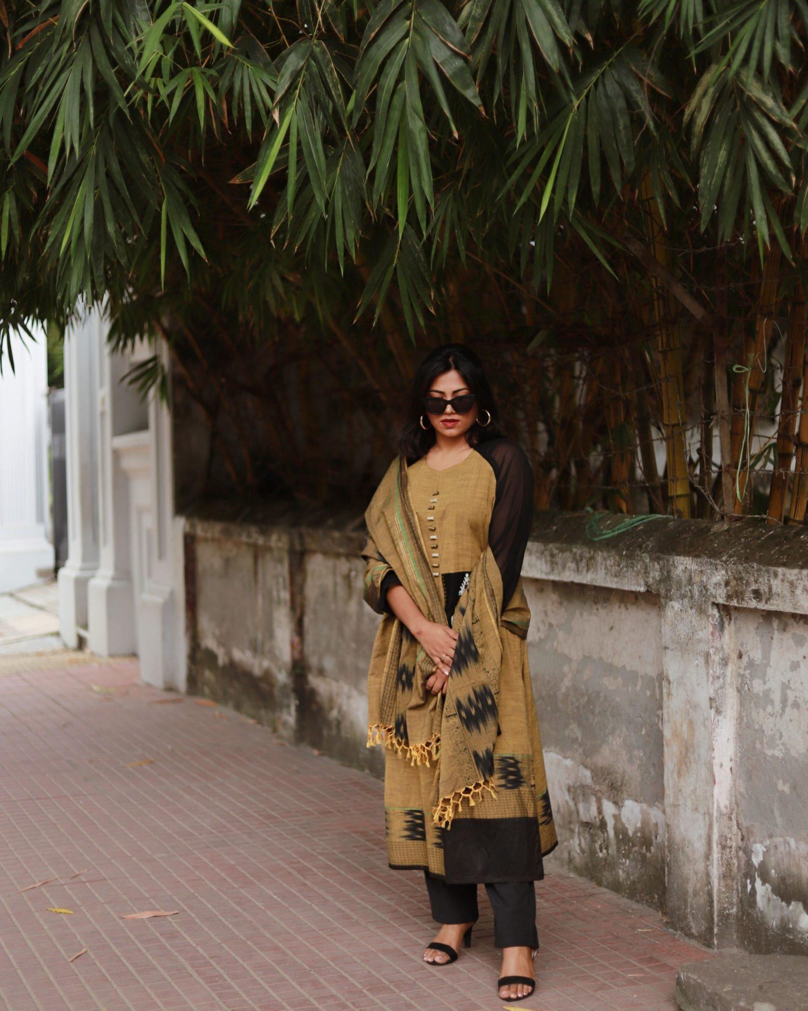 Bangladesh Fashion Street Style Gulshan Wearing Brac Aarong