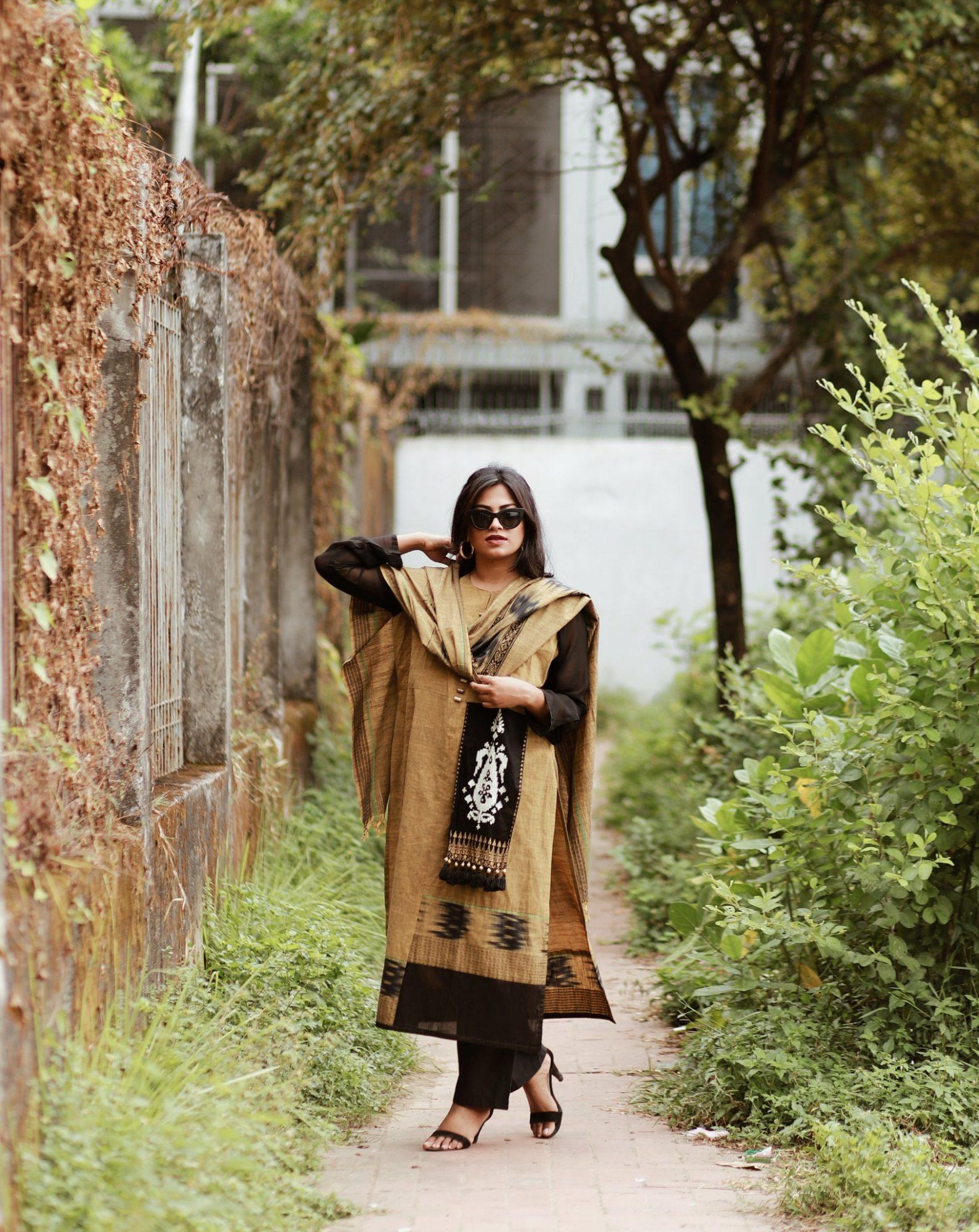 Miami Travel Fashion Blogger Afroza Khan wearing chic salwar kameez