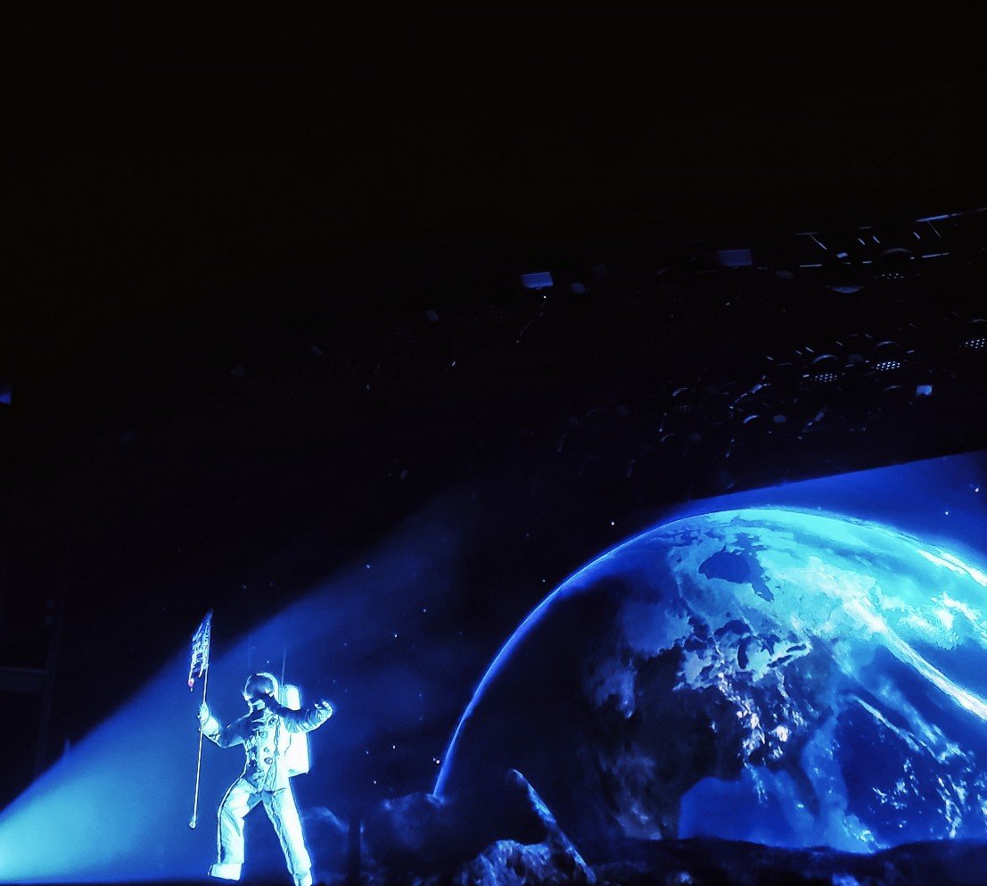 Royal Caribbean Symphony of the Seas production Flight man on the moon