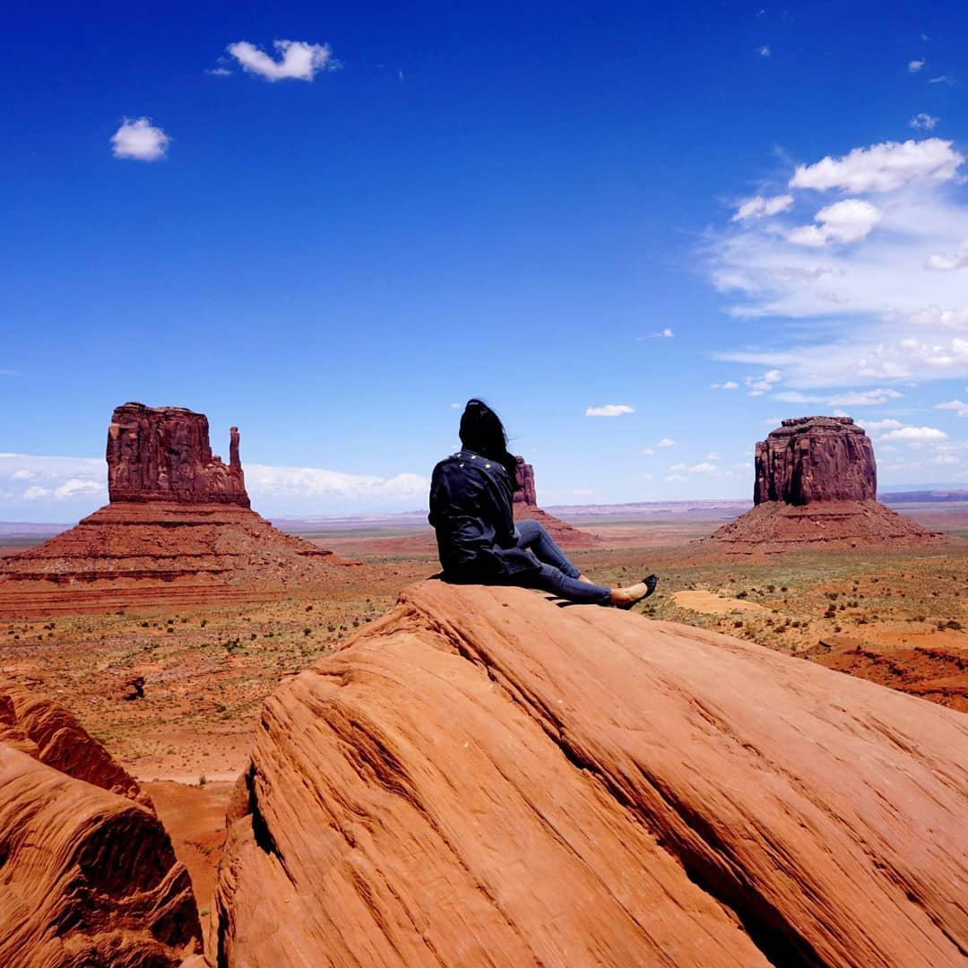 Afroza Khan Top Travel Blogger at Monument Valley Arizona-Utah Border