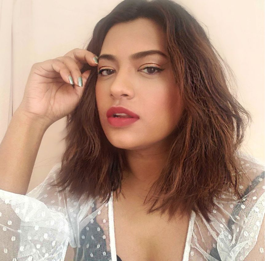 Miami Fashion Beauty Blogger White Polka Dot Top Red Lipstick and Deep Wave Lob Ombre Hair