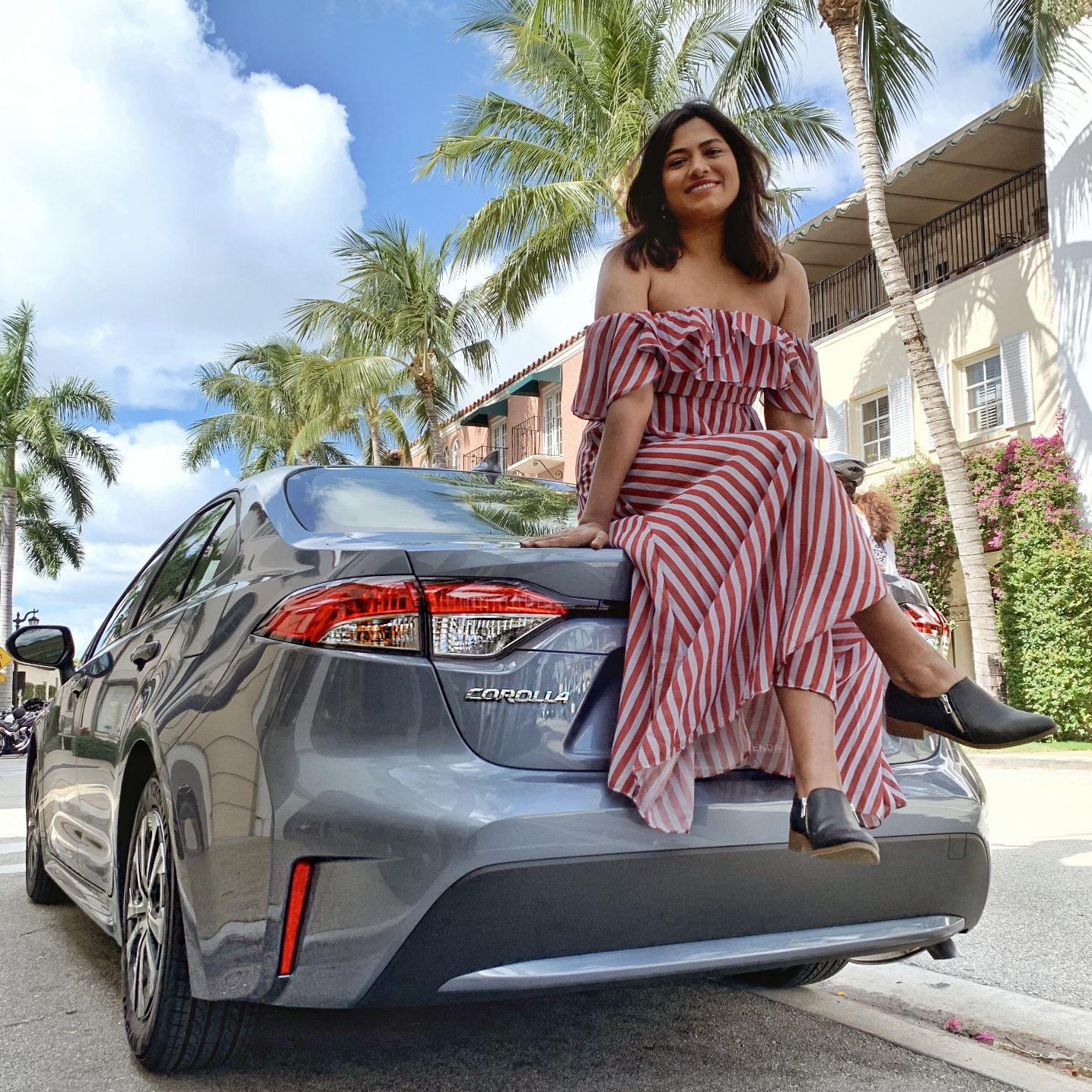 Miami Car Blogger Afroza Khan Reviews 2020 Toyota Corolla Hyrbid