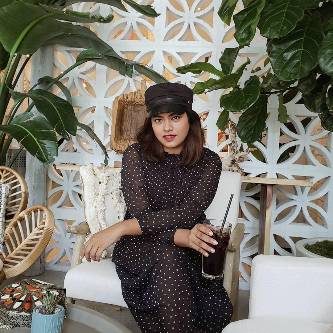 Miami Blogger Afroza Khan at Instagram Worthy Coffee Shop Verde Miami